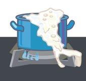 Cazuela con chamuscado, y leche derramada Fotos de archivo