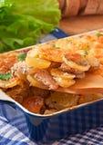 Cazuela de la patata con la carne y las setas Imágenes de archivo libres de regalías