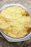 Cazuela de la patata y del queso Fotografía de archivo