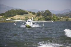 CB Amphibious seaplane landing on Lake Casitas, Ojai, California Royalty Free Stock Photography