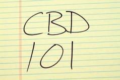 CBD 101 auf einem gelben Kanzleibogenblock Lizenzfreies Stockbild