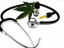 CBD-Hanf ölig in der Alternativmedizin stockfoto
