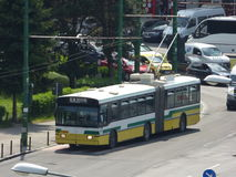 CC$BRASOV CZERWIEC 21: Trolleybus w ruchu drogowym na Czerwu 21, 2017 w Brasov, Rumunia Zdjęcia Royalty Free