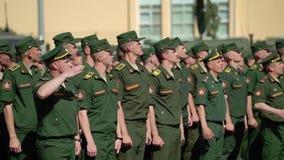 CC$PETERSBURG ROSJA, CZERWIEC, - 20, 2019: Rosyjscy wojsko żołnierze zdjęcie wideo