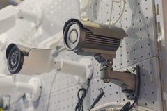 CCTV安全监控相机在陈列停留演出地 库存图片