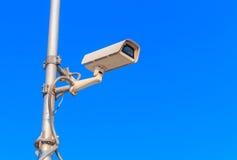 cctv con il fondo del cielo blu Immagini Stock Libere da Diritti