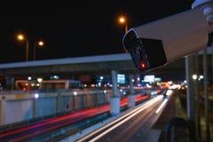 CCTV inwigilacji kamery działanie na ruch drogowy drodze fotografia royalty free