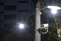 Cctv-kamera på pol Royaltyfri Foto