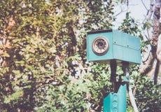 CCTV kamery ochrona chująca w krzakach fotografia stock