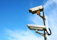 CCTV med blå himmel royaltyfri fotografi