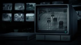 CCTV monitor Pokazuje samochody Na drodze W deszczu zbiory wideo