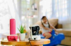 CCTV, supervisión de seguridad de la cámara IP que juega el sitio para los niños fotografía de archivo libre de regalías