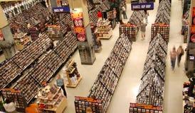 CD的dvd招待大型超级市场 免版税库存照片