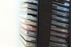 CD στα εμπορευματοκιβώτια στοκ εικόνες με δικαίωμα ελεύθερης χρήσης