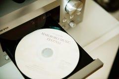 CD do festival de música de Marlboro na bandeja do leitor de cd Fotografia de Stock
