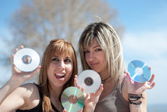 CD e dvd pieni di buoni musica e dati Immagine Stock Libera da Diritti