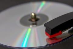 CD het Spinnen op VinylPlatenspeler royalty-vrije stock afbeelding