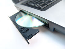 CD-ROMlaufwerk mit CD Stockbild