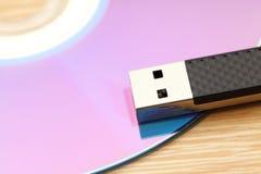 CD y unidad USB Imagen de archivo libre de regalías