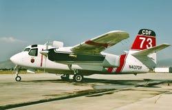CDF Grumman S-2F3AT Turbo tropiciela Kalifornia pożarniczego boju samolot obrazy royalty free