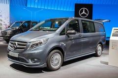 CDi 2017 Vito Mixto 4x4 119 Мерседес-Benz Стоковые Фотографии RF