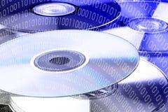 Código binario en dvd Imágenes de archivo libres de regalías