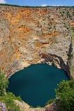 Ce lac - le seul phénomène karstique Photo stock