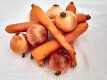 Cebolas, cenouras Imagens de Stock Royalty Free