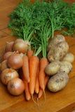 Cebolas, cenouras & batatas Fotos de Stock