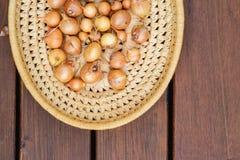 Cebolas frescas Fundo das cebolas Cebolas maduras Cebolas no mercado Imagens de Stock Royalty Free
