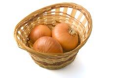 Cebolla en la cesta Imagen de archivo libre de regalías