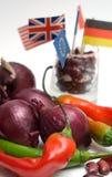 Cebolla roja, pimienta de chiles y judías, indicadores, Imagenes de archivo