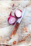 Cebolla roja rebanada Foto de archivo libre de regalías
