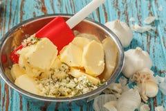 Cebolla verde fresca de la mantequilla de los ingredientes de la hierba del coriandro del limón compuesto del ajo Fotos de archivo