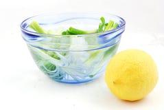Cebolla y limón Fotos de archivo