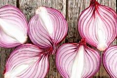 Cebollas rojas orgánicas frescas Fotos de archivo