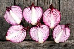 Cebollas rojas orgánicas frescas Foto de archivo libre de regalías