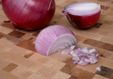 Cebollas rojas tajadas Imagen de archivo