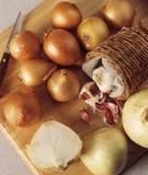 Cebollas y ajo Imagen de archivo