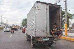 CEBU - PHILIPPINEN - JANUAR, 7 2013 - Stadtstraße verstopfter Verkehr Stockbild