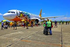 Cebu Stillahavs- flygplan på tuguegaraoflygplatsen, philippines Arkivfoton