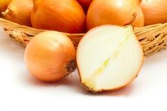 Cebule w koszu Zdjęcia Stock