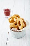 Cebulkowi pierścionki z ketchupem Zdjęcie Stock