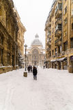 CEC Bank Casa de Economii-Si Consemnatiuni tijdens het Onweer van de de Wintersneeuw Royalty-vrije Stock Afbeelding