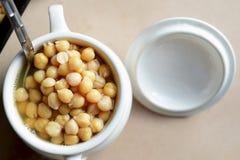 Ceci cucinati in un vaso Fotografia Stock