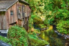 Cedar Creek Grist Mill - terreno boscoso, WA fotografia stock libera da diritti