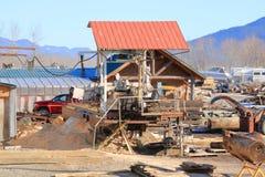 Cedar Shake Lumber Yard y equipo fotos de archivo