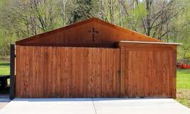 Cedar Wood Shed scuro fotografie stock