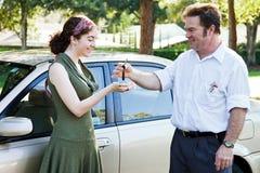 Cedendo chaves Fotografia de Stock Royalty Free