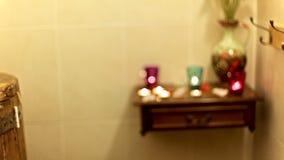 Cedrowe baryłki i aromata świeczki dla wellness traktowań przy zdrojem zbiory wideo